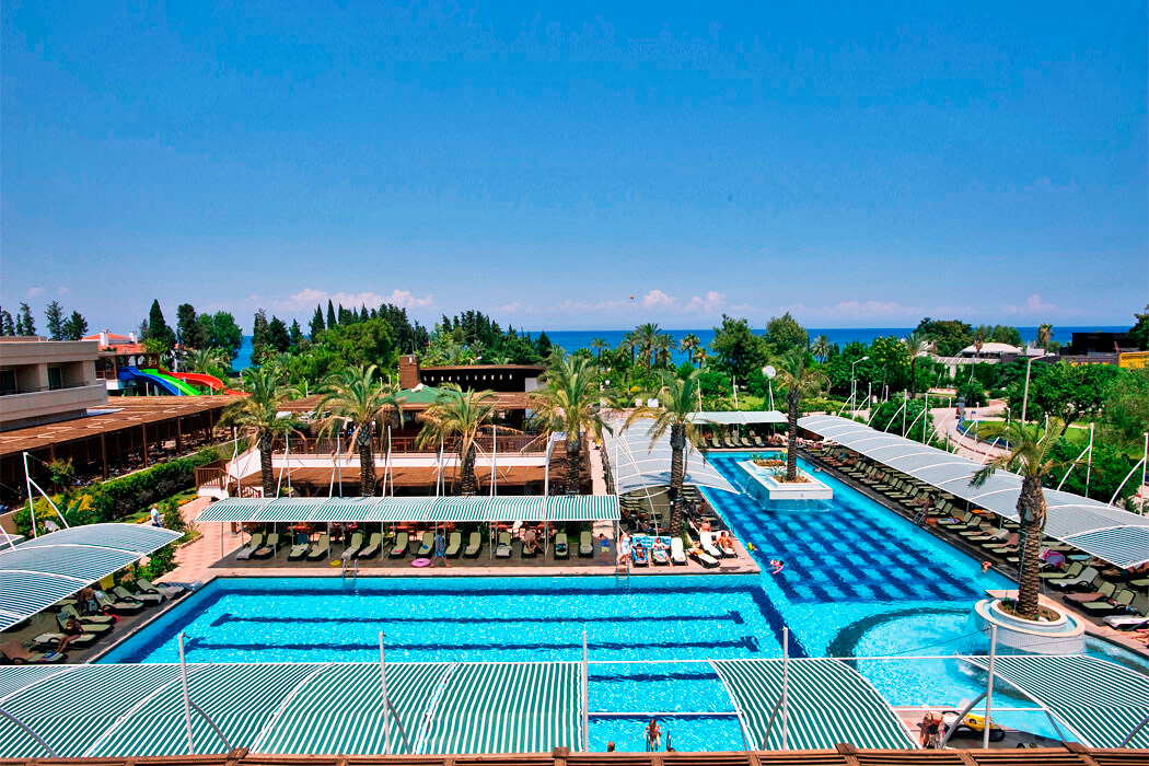 Crystal Hotels Deluxe Resort & Spa