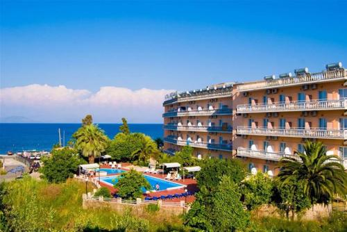 Potamaki Beach (Benitses) 3*