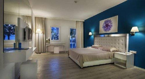 LE BLEU HOTEL AND SPA 5*