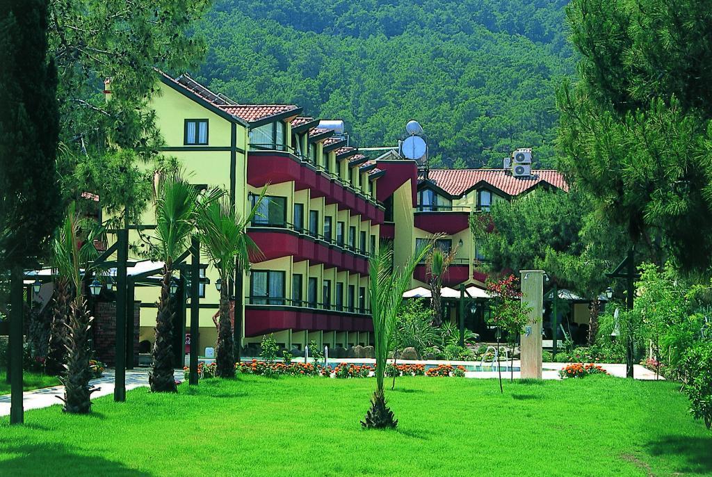 SUMELA GARDEN HOTEL 4 *